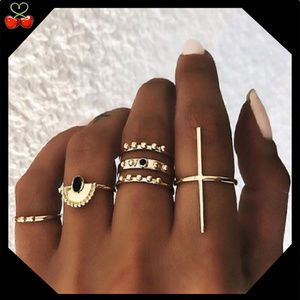 🍒 Egypian 7 Piece Ring Set